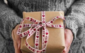 ich habe etwas zu geben weihnachten im schuhkarton. Black Bedroom Furniture Sets. Home Design Ideas